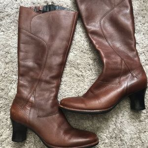 Clark's boots, size 6